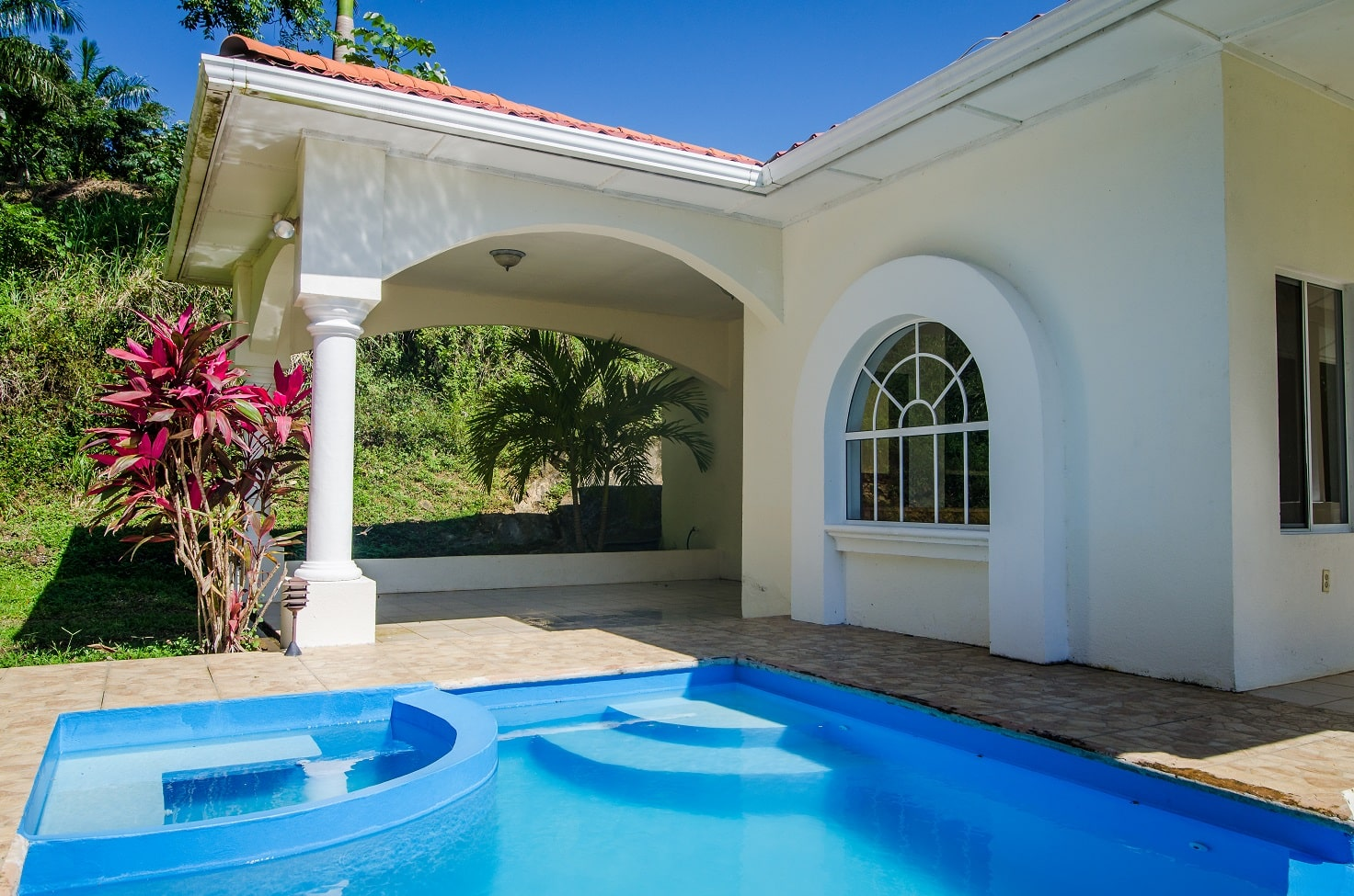 3 BR Hilltop Villa, French View