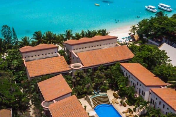 Las Sirenas luxury beachfront condo 3 Roatan