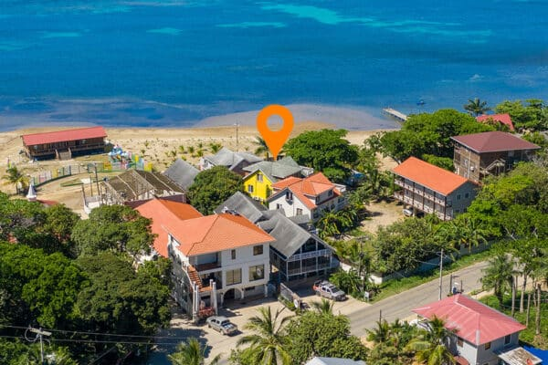 Yellow Beach House Sandy Bay Roatan